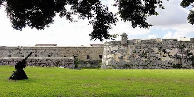 Castillo de San Carlos de la Cabana